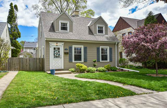 2744 N 74th St, Wauwatosa, WI 53210 (#1740111) :: RE/MAX Service First