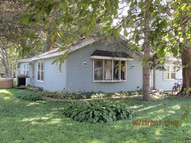 2712 Cameron St, Delavan, WI 53115 (#1740159) :: Keller Williams Realty - Milwaukee Southwest