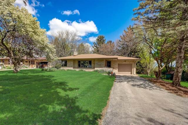 124 Genesee St, Delafield, WI 53018 (#1740173) :: RE/MAX Service First
