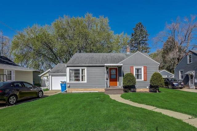1308 Neenah St, Watertown, WI 53094 (#1740309) :: RE/MAX Service First