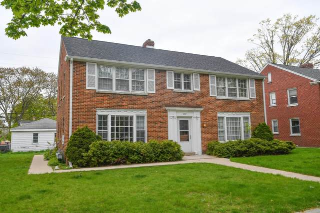 4849 N Mohawk Ave, Glendale, WI 53217 (#1740374) :: RE/MAX Service First