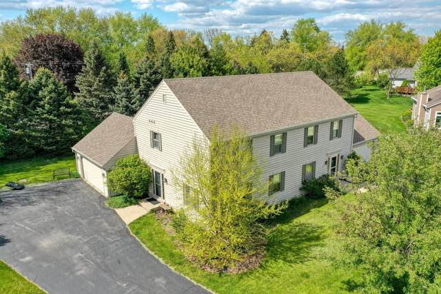 N27W26460 Christian Ct W #1, Pewaukee, WI 53072 (#1740423) :: RE/MAX Service First