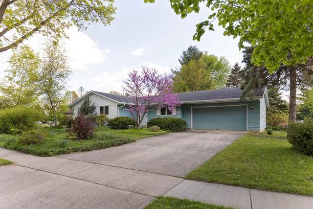1009 Monroe St, Fort Atkinson, WI 53538 (#1740449) :: RE/MAX Service First