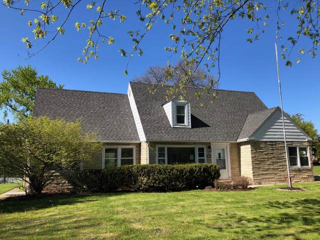 11120 W Ruby Ave, Wauwatosa, WI 53225 (#1740491) :: RE/MAX Service First