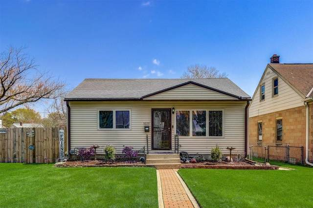 5330 N 49th St., Milwaukee, WI 53218 (#1740497) :: Tom Didier Real Estate Team