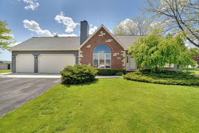 185 White Oak Ct, Union Grove, WI 53182 (#1740505) :: Tom Didier Real Estate Team