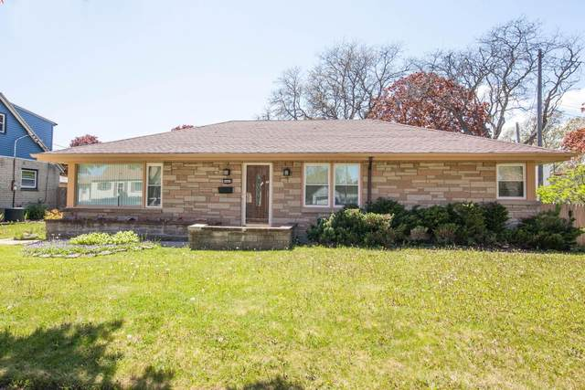 4465 N Houston Ave, Milwaukee, WI 53218 (#1740596) :: RE/MAX Service First