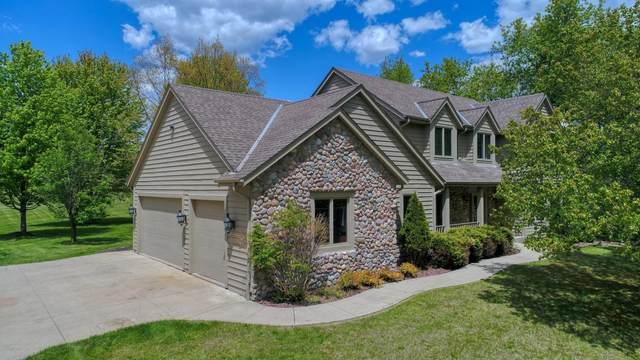 3910 Northwood Trl, Richfield, WI 53017 (#1740673) :: Keller Williams Realty - Milwaukee Southwest