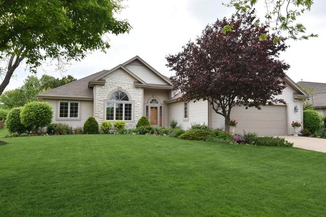 8829 S 89th St, Franklin, WI 53132 (#1740879) :: Keller Williams Realty - Milwaukee Southwest