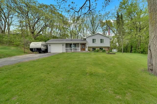 30540 Mountain Ln, Waterford, WI 53185 (#1741308) :: Keller Williams Realty - Milwaukee Southwest