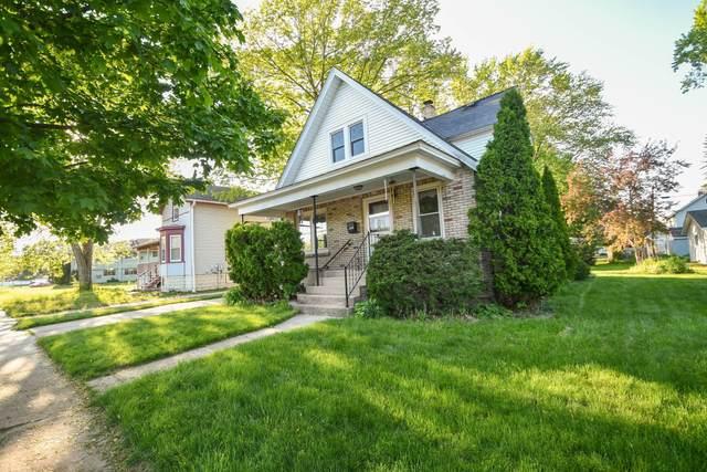 406 W 3rd St, Oconomowoc, WI 53066 (#1741502) :: OneTrust Real Estate