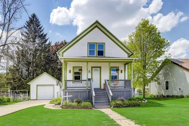 330 S Franklin St, Oconomowoc, WI 53066 (#1741605) :: OneTrust Real Estate