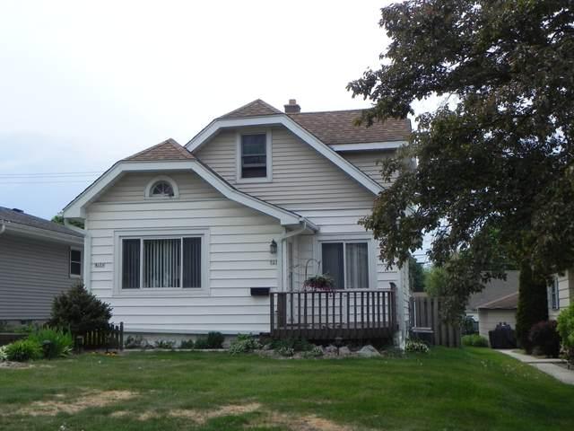 927 S 101st St, West Allis, WI 53214 (#1741647) :: Keller Williams Realty - Milwaukee Southwest