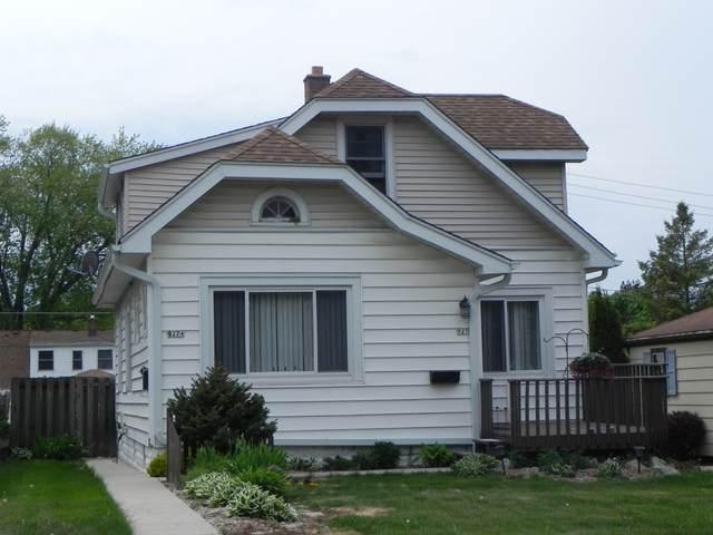 927 S 101st St, West Allis, WI 53214 (#1741650) :: Keller Williams Realty - Milwaukee Southwest