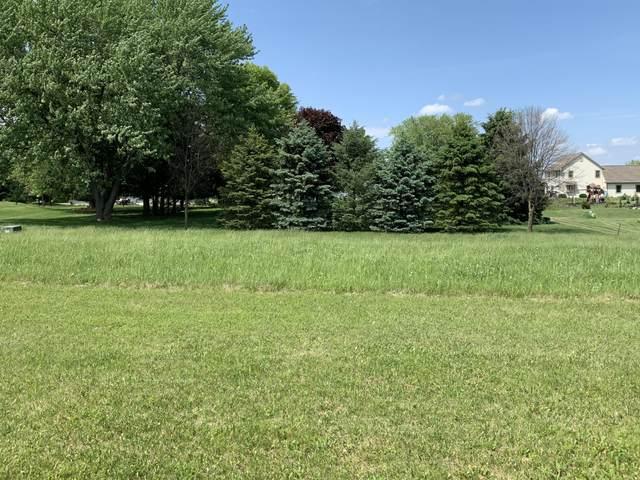 1441 Red Oak Dr, Hartford, WI 53027 (#1742518) :: OneTrust Real Estate