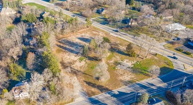 10401 N Cedarburg Rd, Mequon, WI 53092 (#1742545) :: Tom Didier Real Estate Team
