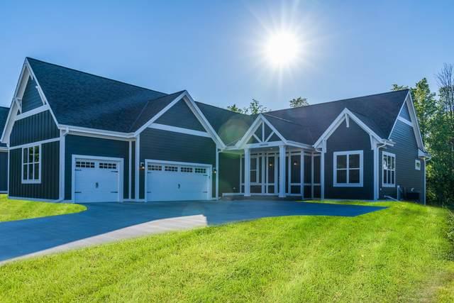 N116W5590 Lucas Ct, Cedarburg, WI 53012 (#1742898) :: Tom Didier Real Estate Team