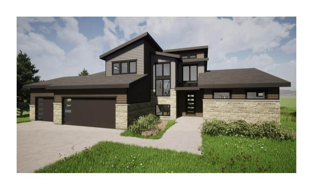 13644 W Upland Ridge Ct, New Berlin, WI 53151 (#1742914) :: Keller Williams Realty - Milwaukee Southwest