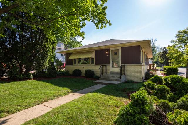 302 N 113th St, Wauwatosa, WI 53226 (#1743053) :: Re/Max Leading Edge, The Fabiano Group