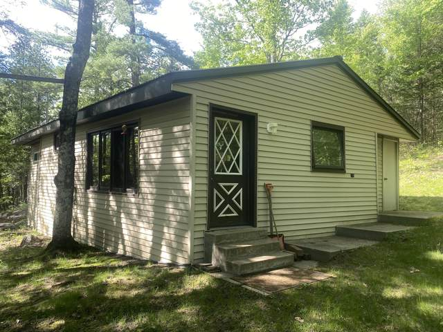 W8046 Bell Crossing Rd, Amberg, WI 54102 (#1743083) :: OneTrust Real Estate