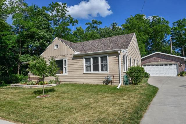 1019 N Fourth St, Watertown, WI 53098 (#1743174) :: OneTrust Real Estate