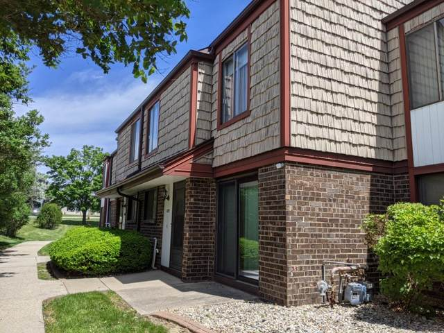 4279 W College Ave, Franklin, WI 53221 (#1743378) :: OneTrust Real Estate