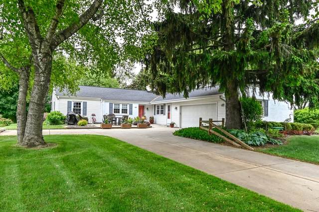 18765 Benington Dr, Brookfield, WI 53045 (#1743416) :: Re/Max Leading Edge, The Fabiano Group