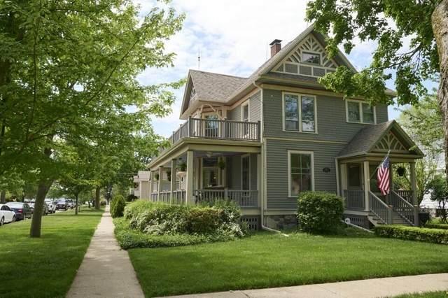 1004 Geneva St, Lake Geneva, WI 53147 (#1743557) :: Keller Williams Realty - Milwaukee Southwest