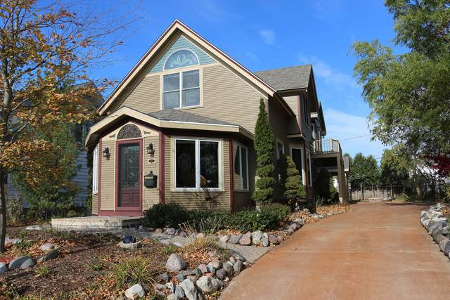 162 Wilson Ave, West Bend, WI 53090 (#1743674) :: OneTrust Real Estate