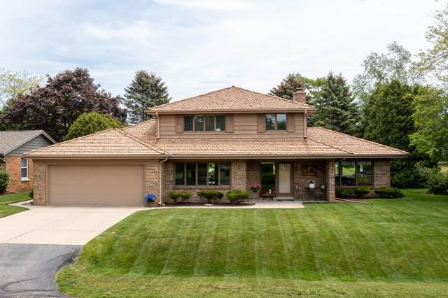 3 Shorewood Ct, Wind Point, WI 53402 (#1743706) :: RE/MAX Service First