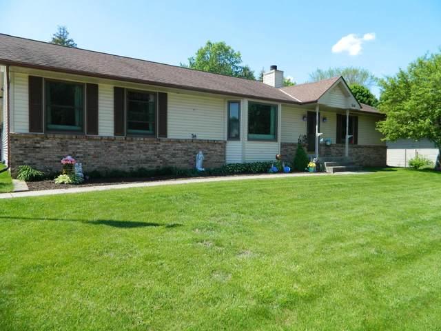 319 Knights Ave, Kewaskum, WI 53040 (#1743755) :: Tom Didier Real Estate Team