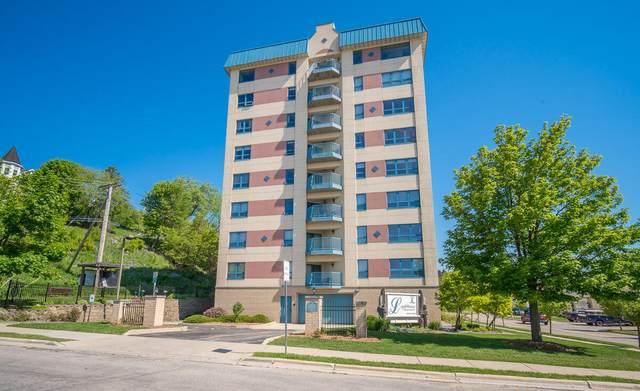 415 N Lake St #604, Port Washington, WI 53074 (#1743771) :: Tom Didier Real Estate Team