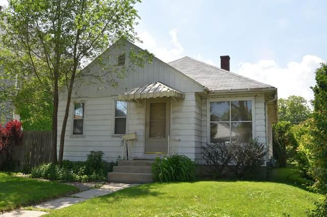 3007 S 9th Pl, Milwaukee, WI 53215 (#1743784) :: Keller Williams Realty - Milwaukee Southwest