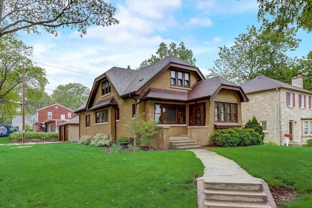 203 N 88th St, Wauwatosa, WI 53226 (#1743815) :: OneTrust Real Estate