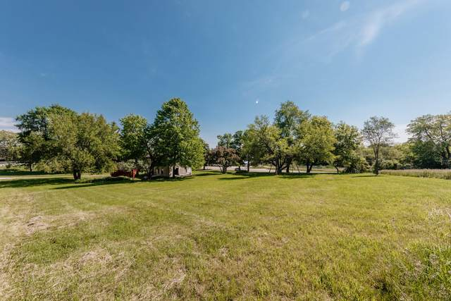 W223N3481 Duplainville Rd, Pewaukee, WI 53072 (#1743880) :: EXIT Realty XL