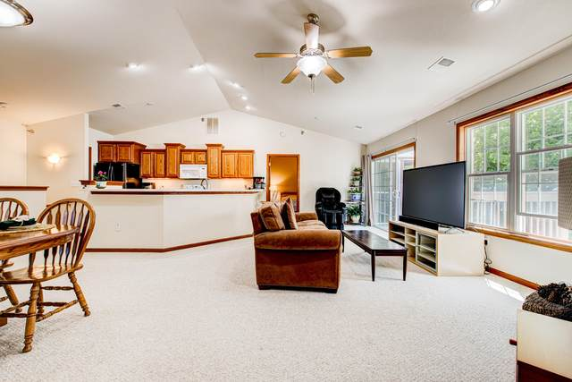 9239 S 54th St, Franklin, WI 53132 (#1744206) :: OneTrust Real Estate