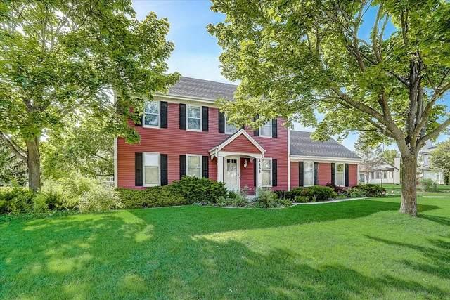 4165 S Regal Manor Dr, New Berlin, WI 53151 (#1744220) :: Keller Williams Realty - Milwaukee Southwest