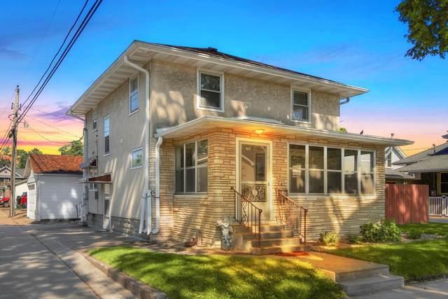 814 15th St S, La Crosse, WI 54601 (#1744247) :: OneTrust Real Estate