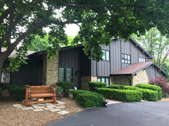 2100 La Rochelle Ct, Brookfield, WI 53045 (#1744258) :: Keller Williams Realty - Milwaukee Southwest
