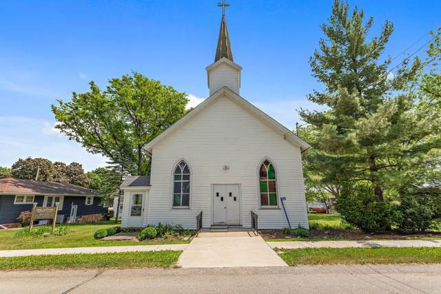 1529 Church St, Lyons, WI 53148 (#1744299) :: Re/Max Leading Edge, The Fabiano Group