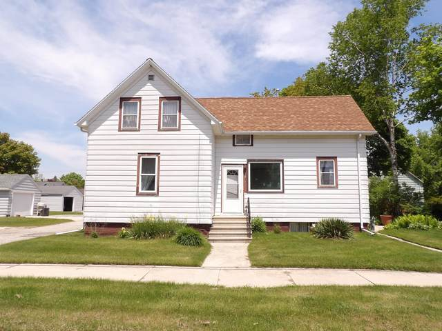 2308 10th St, Two Rivers, WI 54241 (#1744352) :: EXIT Realty XL