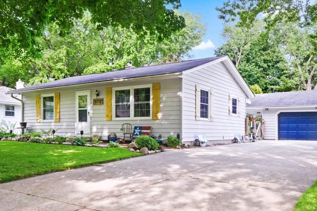 535 Bender Rd, West Bend, WI 53090 (#1744377) :: Keller Williams Realty - Milwaukee Southwest