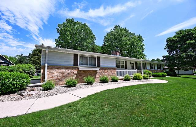 537 Mary Knoll Ln, Watertown, WI 53098 (#1744492) :: RE/MAX Service First
