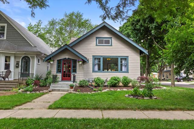 2577 N 69th St, Wauwatosa, WI 53213 (#1744553) :: Keller Williams Realty - Milwaukee Southwest