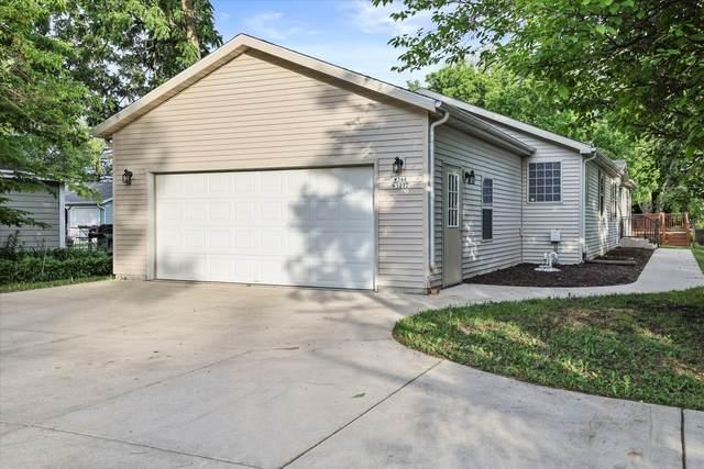 W346N5272 Elm Ave, Oconomowoc, WI 53069 (#1744704) :: OneTrust Real Estate