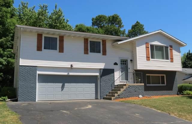 1416 Hans St, West Bend, WI 53090 (#1744787) :: Tom Didier Real Estate Team