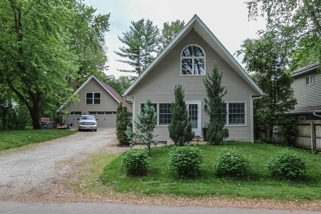 30019 Meadow Dr, Burlington, WI 53105 (#1744818) :: OneTrust Real Estate