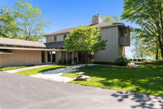 10804 N Lake View Rd, Mequon, WI 53092 (#1744927) :: EXIT Realty XL