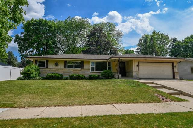 243 Green Valley Pl, West Bend, WI 53095 (#1744983) :: OneTrust Real Estate