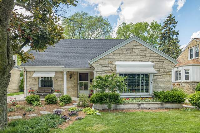217 Glenview Ave, Wauwatosa, WI 53213 (#1744996) :: OneTrust Real Estate